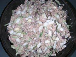 Этот салат готовят во всех узбекских ресторанах...салат очень вкусный и сытный. мясо вар.  - 200гр. яйца - 3шт...